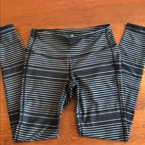 Athleta gray striped leggings